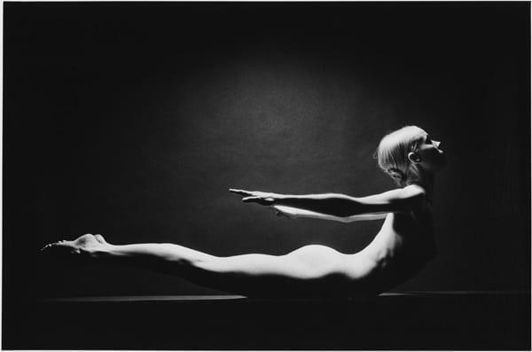 Photo © Jeanloup Sieff: Carolyn Carlson. Paris, 1974