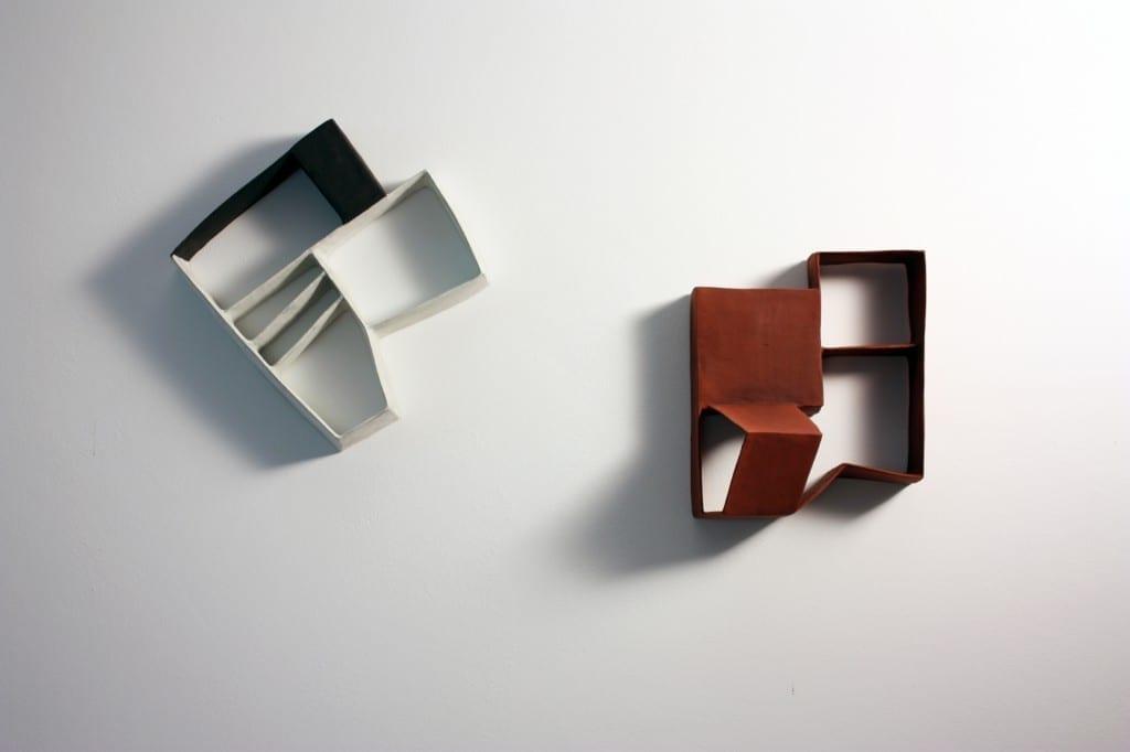 Daphne Corregan : Spaces, 2014, terres cuites, 20 x 20 environ