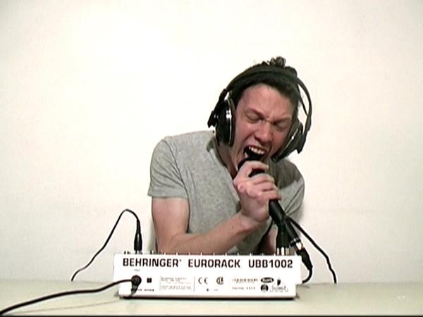 Parabole #2, 2010. Extraite de la vidéo © Jérôme Grivel