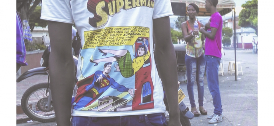 Oscar Murillo meet me! Mr. Superman, 2013-2015 Video projection, 1:16 min (loop), colour, sound Courtesy the artist and David Zwirner, New York/London