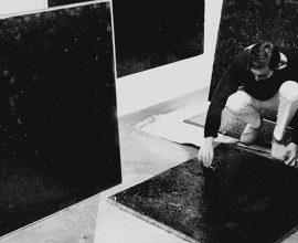 Bernar Venet dans son atelier à Nice, 1963 © Philippe Bompuy