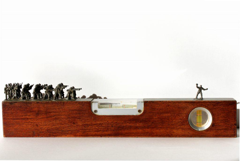 Nasr-eddine Bennacer, Equilibre, 2015, Assemblage, 40 x 10 x 3 cm