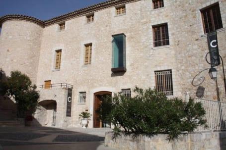 International Center of Modern Art in Carros