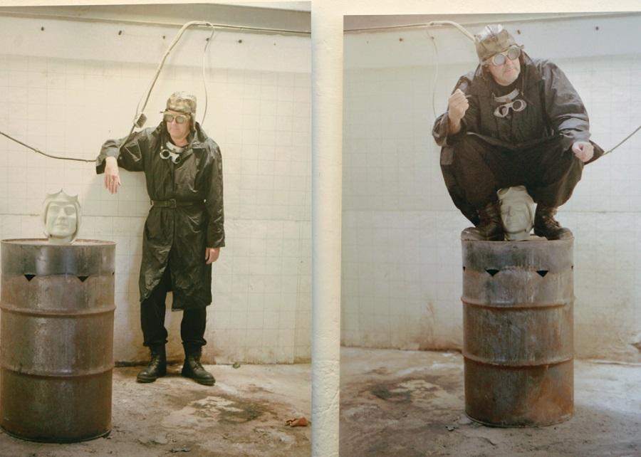Guy GIRAUD Sans titre – 1995 I 96 x 38 x 71 cm I Raoul HEBREARD Sans titre – 1999 I 100 x 100 cm I Photographie couleur contrecollée sur PVC et plastifiée © Julien Mc Laughlin