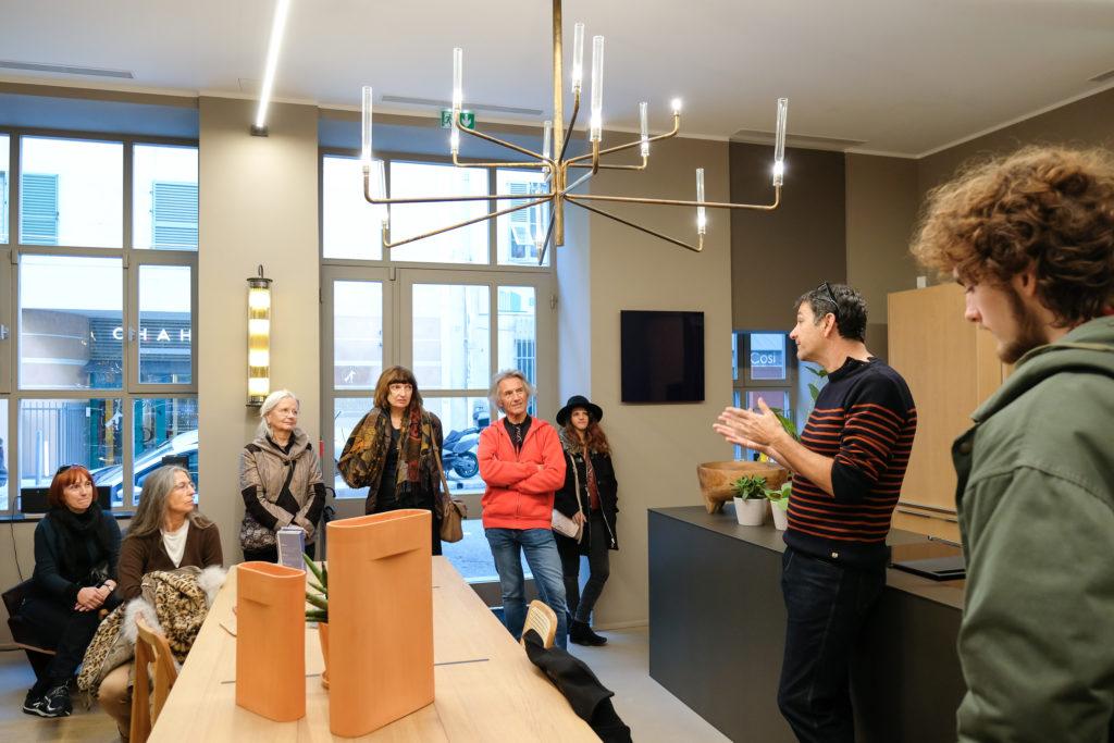 Accrochage des oeuvres de Cédric Teisseire chez Bel Oeil Interior Design – ex Loft Nice © Evelyne Creusot