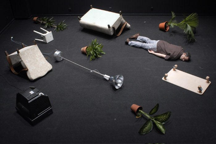 João Fiadeiro,This Body that occupaies me (2007). Photo Patricia Almeida