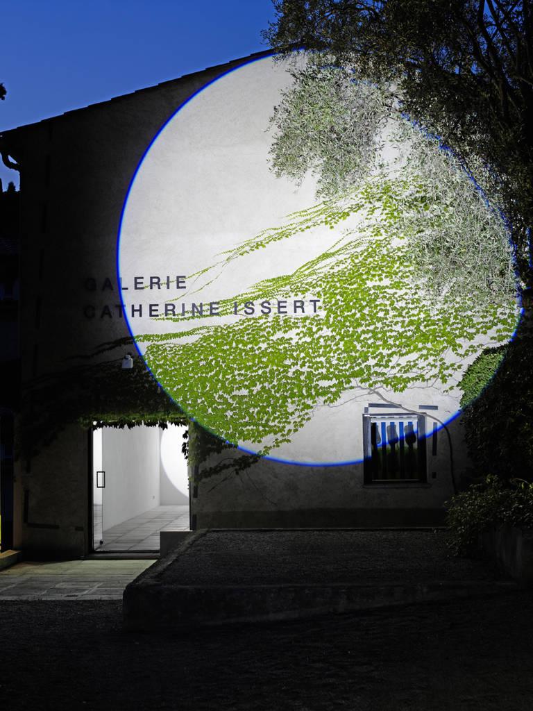 VERJUX-Michel-Poursuite-à-la-façade-2009-©FrançoisFernandez