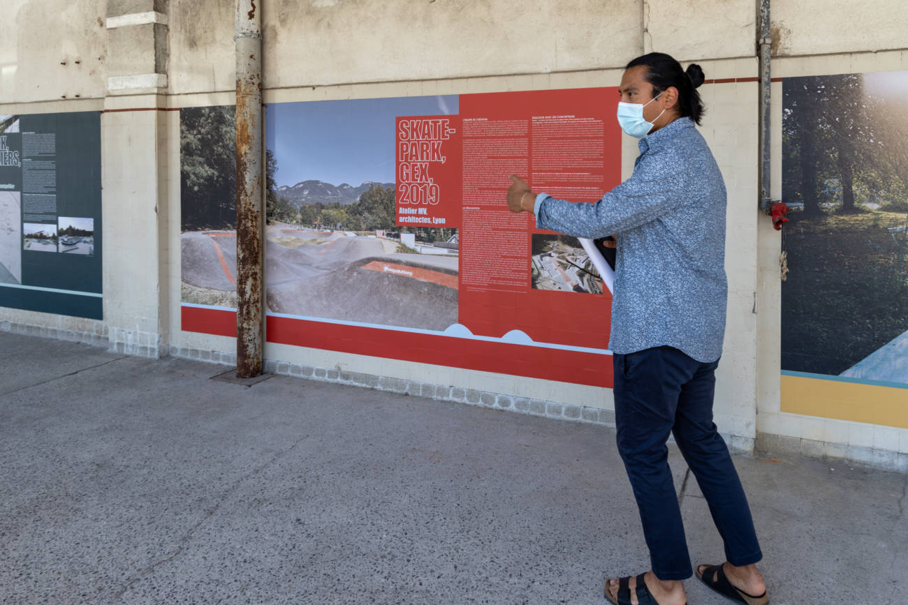 """Exposition """"Skateville"""" au 109, visite par Alexis Demoulin, médiateur au Forum d'Urbanisme et d'Architecture © Evelyne Creusot"""