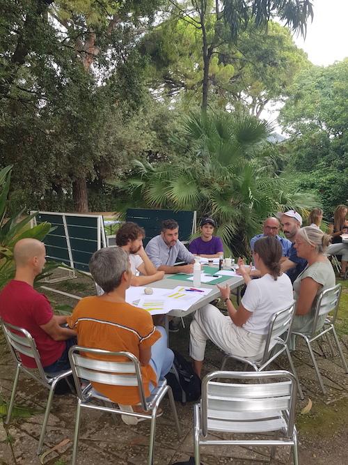 L'Assemblée des Valeurs, 8 et 9 septembre - Villa Arson Phase des négociations entre plusieurs ambassades © Jérémy Kinderstuth